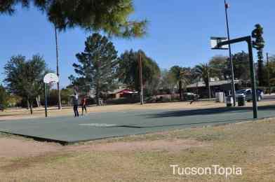 basketball court at La Madera Park