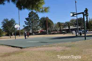 basketball court at La Madera Park