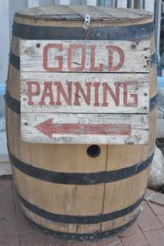 Gold Panning at Trail Dust Town