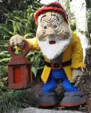 dwarf at LEGOLAND California
