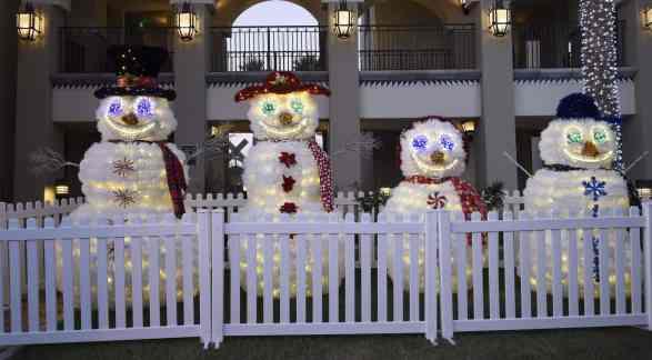 singing snowmen Christmas Fairmont Scottsdale Princess