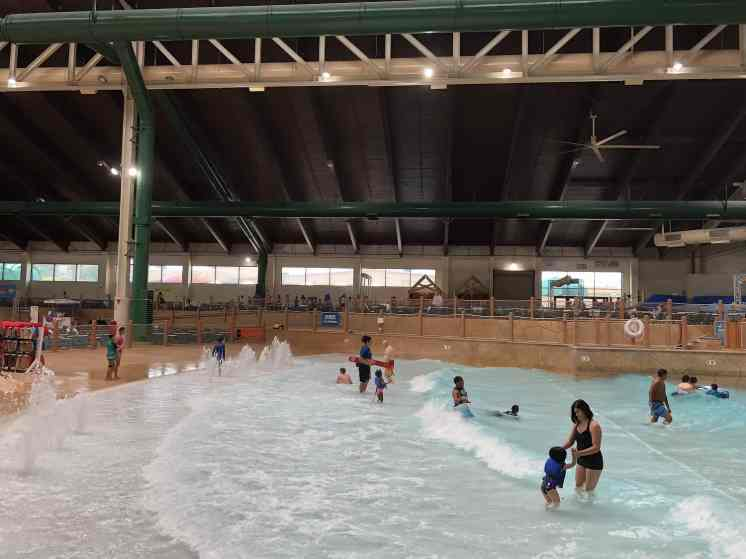 Wave Pool Great Wolf Lodge