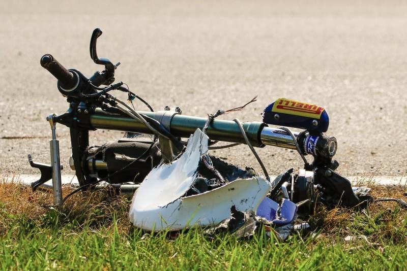 Moto de Lucas Torres destruída na etapa de Curitiba do SuperBike Brasil