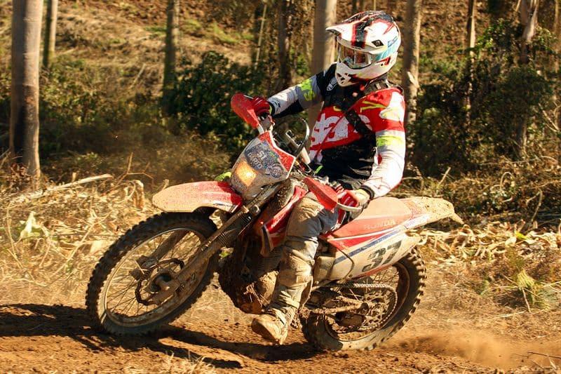 Dário Júlio, piloto de Enduro de Regularidade da equipe Honda Racing, vai em busca de seu quarto título brasileiro. Crédito: Gerson Coast/ Mundo Press