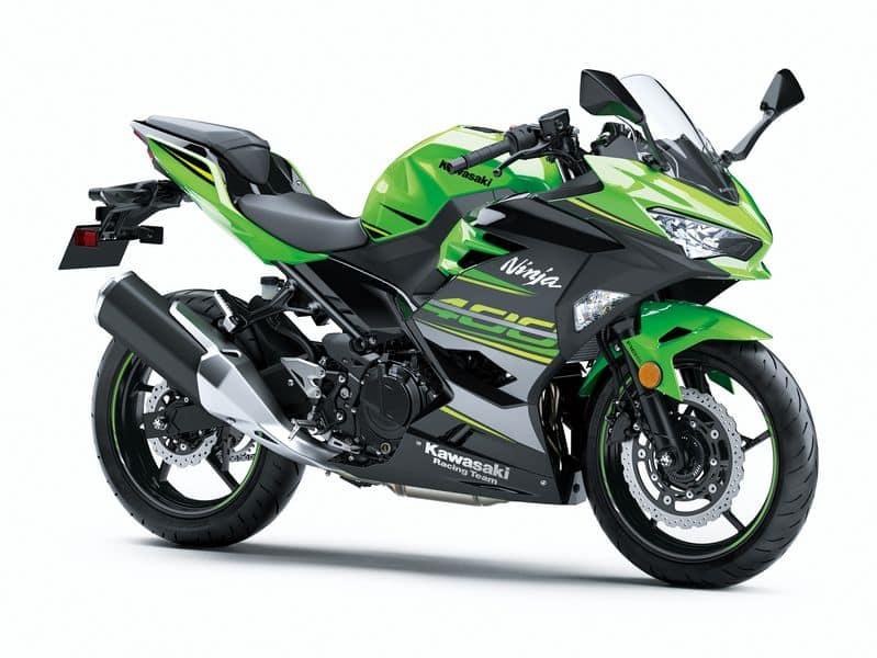 Ninja 400 versão Lime Green – com a replica dos grafismos da Kawasaki Racing Team - essa é um pouco mais cara, R$ 24.990