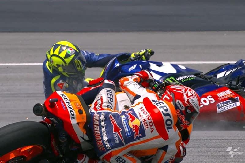 Rossi perde a traseira e Márquez parte para a vitória no GP da Malásia - Foto: Reprodução Moto GP