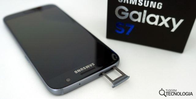 S7 slot microSD