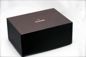 tudor-black-bay-01