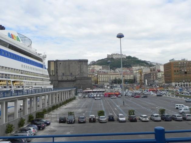 Im Hafen von Neapel