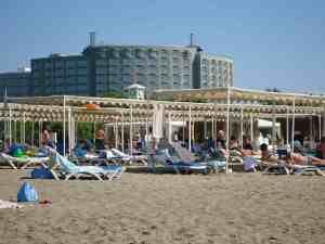 Strand am Hotel Jacaranda