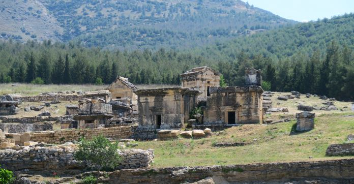 Nekropolen ( Gräber) in Hierapolis.