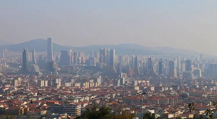 Ausblick auf Hochhäuser auf der asiatischen Seite von Istanbul.