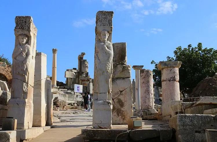 Ruinen des Herakles Tor
