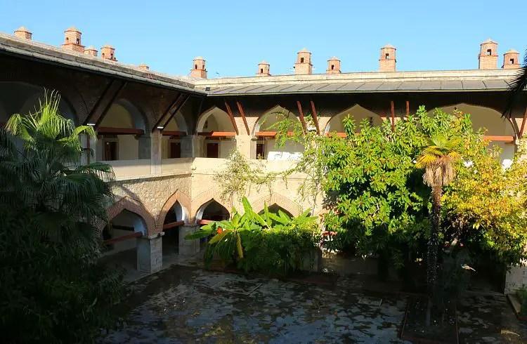 Innenhof der Karawanserei