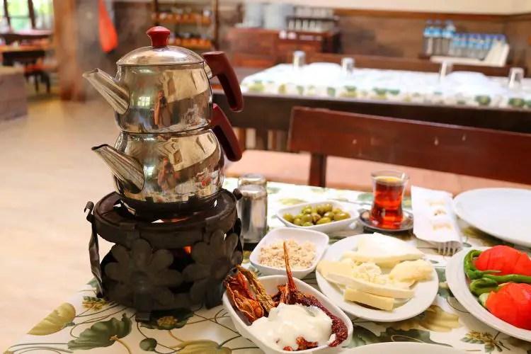 Caydanlik und türkisches Frühstück