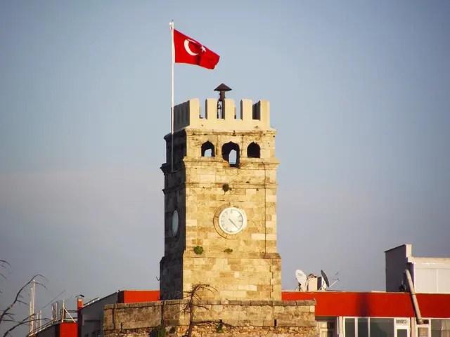 Saat Kulesi (Uhrturm) & Altstadt von Antalya