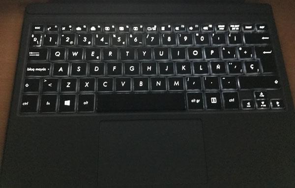 analisis asus transformer 3 pro teclado iluminado