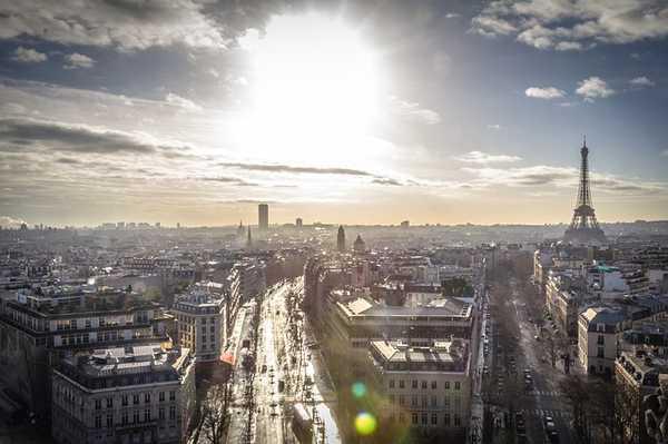 Francia pone fecha para prohibir la venta de coches diésel y gasolina