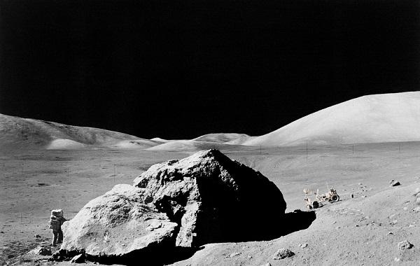 La Luna en venta roca a roca