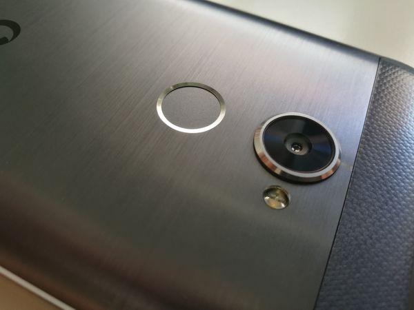 vodafone smart v8 camaras