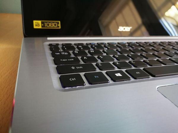 Acer Swift tres portatil multimedia