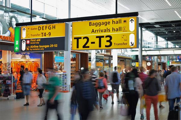 Un fallo informatico deja sin check-in por Internet en miles de vuelos