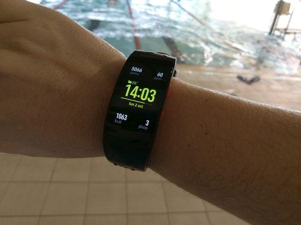 samsung gear fit2 pro piscina