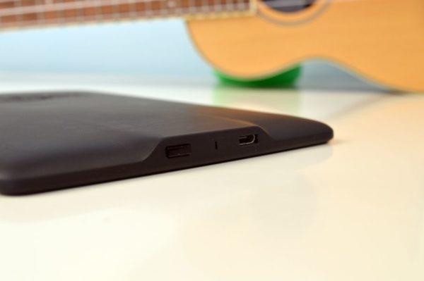 puerto micro USB