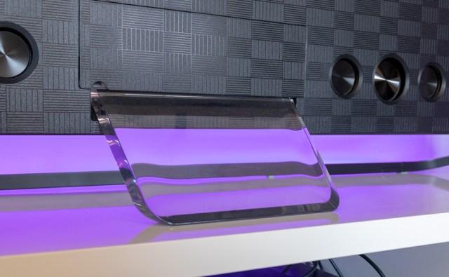 hemos probado Hisense H65U9A pie cristal