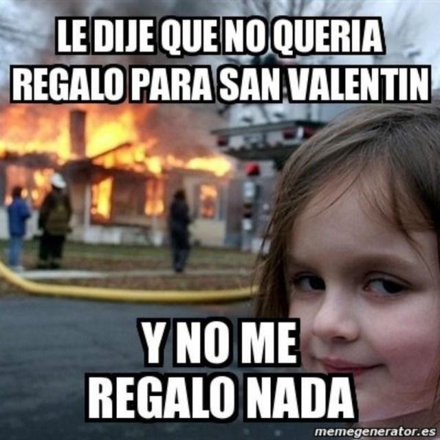 Mejores memes San Valentín incendio