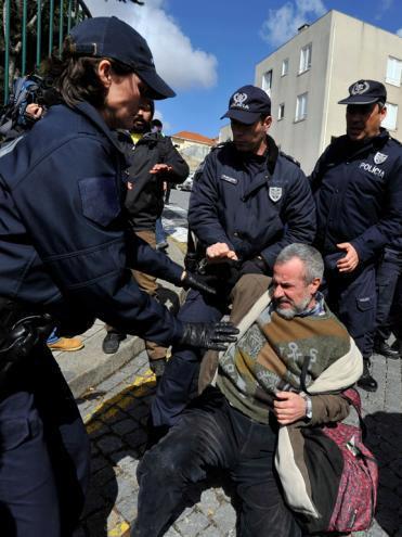 Es.Col.A: 5 meses de pena suspensa e duas multas de 750 euros