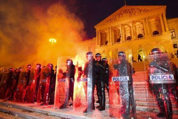 """24 de Novembro: IGAI pediu ajuda aos manifestantes para identificar """"infracções"""" da PSP"""