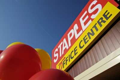 Ilegalidades na Staples: horários forçados, horas não pagas e muito mais