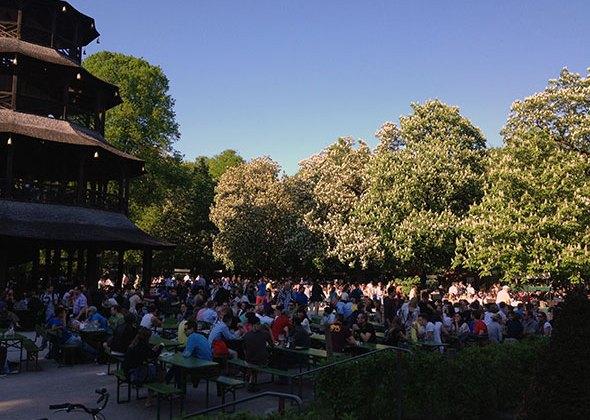 Biergarten del Chinese Garden de Munich