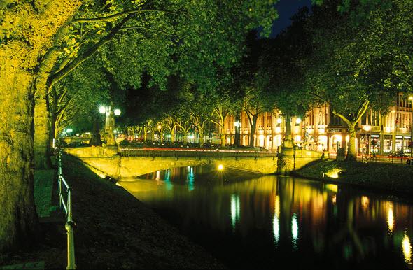 AlemaniaConDB en Dusseldorf. Koenigsallee por la noche. Foto (c) Düsseldorf Tourismus