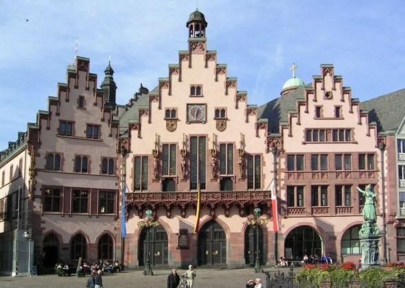 Las tres casas que forman el Romer son el símbolo de la ciudad