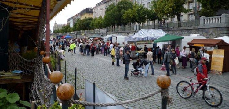 El mercado de Naplavka, en Praga | Naplavka - Guía Hipster de Praga en Tu Gran Viaje