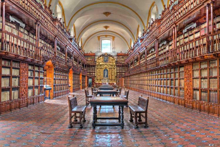 Biblioteca Palafoxiana de Puebla, México