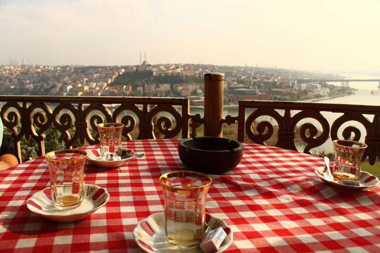 La panorámica de Estambul desde el Pierre Loti Cafe es inolvidable. Foto Rodrigo Martins.