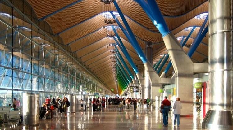 Aena ofrecerá acceso gratuito e ilimitado a Internet vía WiFi en todos los aeropuertos y helipuertos de su red
