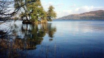 Green Island en el lago Gill, con el monte Kilkenny de fondo. Foto Geograph.org