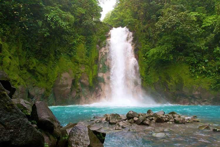 Cascada Boca Tapada. © Shutterstcok. Tu Gran Viaje a Costa Rica