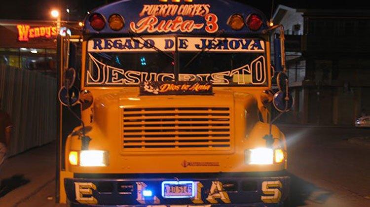 Autobús en Puerto Cortés, Honduras. © Jesús Gª Marín | Autobuses en América. El blog de los Xperts de Tu Gran Viaje