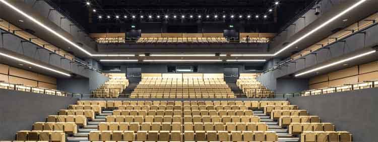 Auditorio del ICE Krakow   Cracovia, capital del Comité del Patrimonio Mundial en julio. Tu Gran Viaje