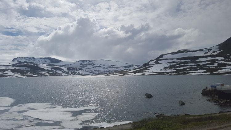 Norway in a nutshell. viajar a noruega con tu Gran Viaje Llegada del tren a Finse. © Tu Gran Viaje