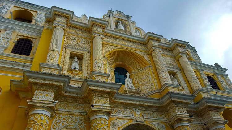 Detalle de la Catedral de Guatemala. Viajar a Guatemala | Tu Gran Viaje. Revista de Viajes y Turismo