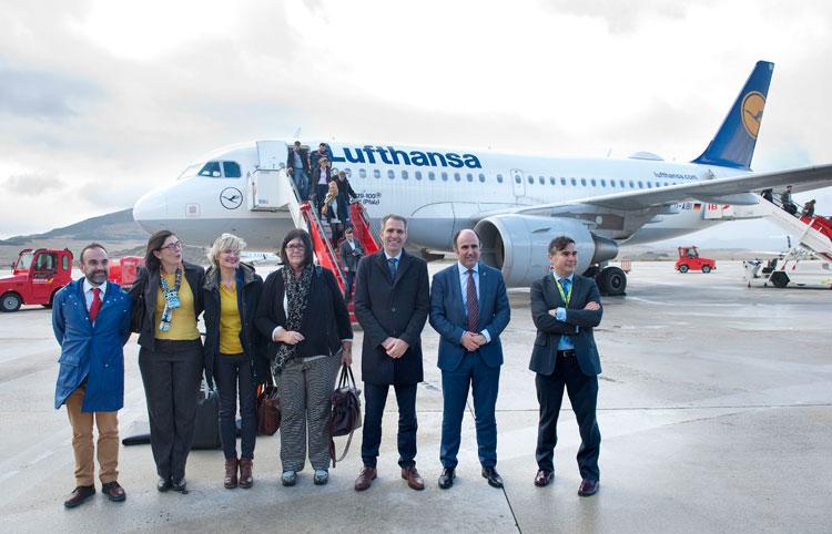 Lufthansa inaugura sus vuelos regulares a Pamplona   Noticias de Turismo en Tu Gran Viaje
