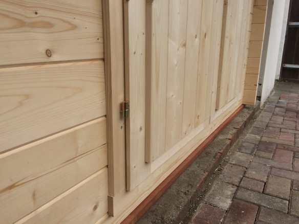 Hardwood foundation beams in use
