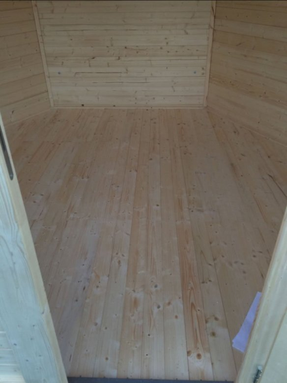A really nice floor laid by Philip is one of our Nora hexagonal log cabins.