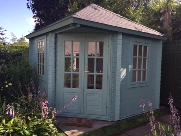 Mr and Mr Y's Ingrid Corner Log Cabin